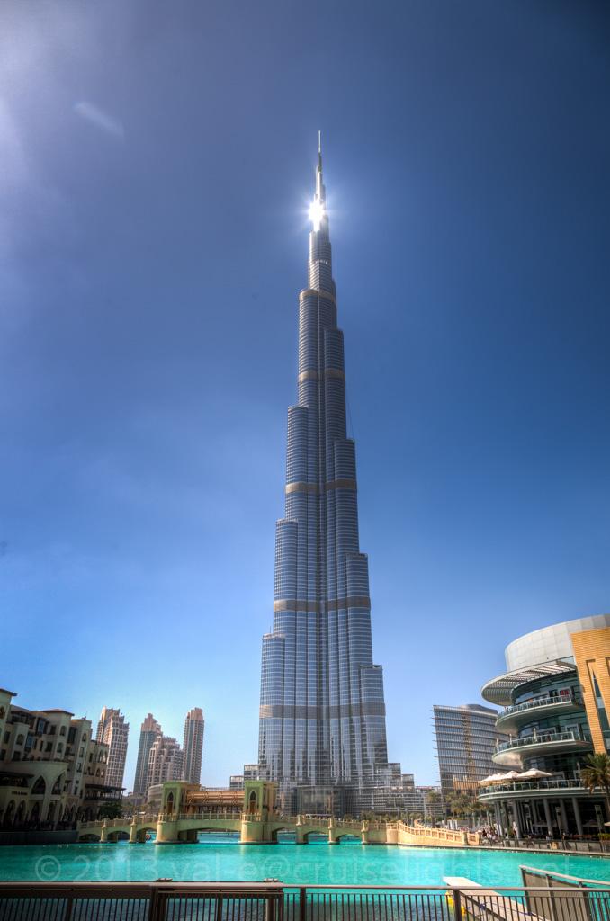 dubai seen from on the top of burj khalifa. Black Bedroom Furniture Sets. Home Design Ideas